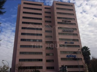 601 m2 Office in Miraflores |