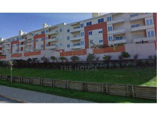 2 bedroom apartment with Terrace of 100 m2 in Oeiras | 2 Antall Soverom | 2WC