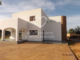 Country Home › Santa Eulària des Riu | 4 Bedrooms