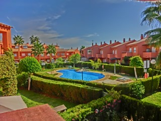 Townhouse in beach next to the port of La Duquesa, Costa del Sol | 3 Bedrooms | 2WC