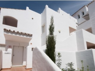 Front line beach development of apartments and penthouses in Arroyo Vaquero | 2 Bedrooms | 2WC