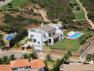 'EXTRAORDINARY VILLA IN ALCAIDESA !! | 4 Bedrooms | 6WC