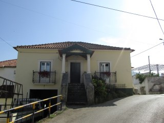 House › Leiria | 3 Bedrooms | 1WC