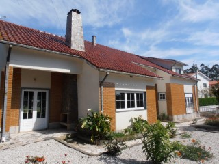 House › Leiria | 4 Bedrooms | 2WC