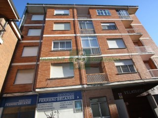 Centrally located apartment in Benavente | 4 Bedrooms