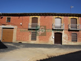 House › Villanueva del Campo | 6 Bedrooms