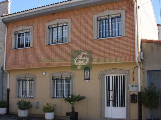 House › Castrogonzalo | 4 Bedrooms