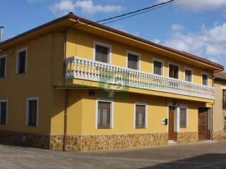 House › Maire de Castroponce | 6 Bedrooms
