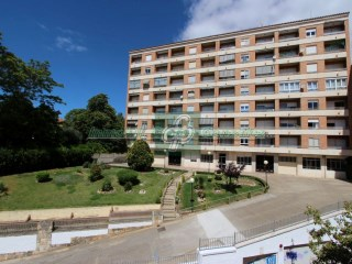 Flat › Benavente | 4 Bedrooms | 2WC