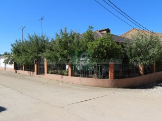 Villa › Villanázar | 4 Bedrooms | 1WC