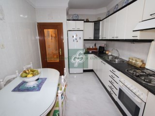 Flat › Benavente | 4 Bedrooms | 1WC