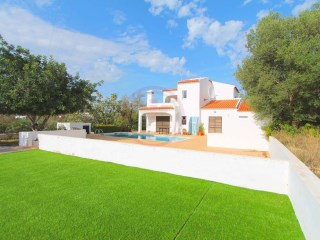 Villa with sea views and swimming pool near Vilamoura | 4 Bedrooms | 4WC