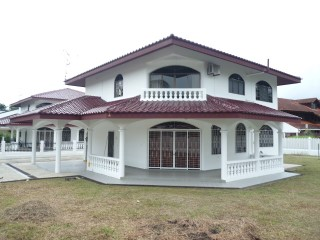 Detached House › Gadong B | 5 Bedrooms | 4WC