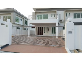 Semi-Detached House › Berakas A | 4 Bedrooms | 4WC