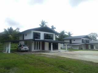 Double-Storey Detached House | 4 Bedrooms | 4WC