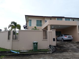 Semi-Detached House › Berakas A |