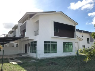 Terraced House › Kilanas |