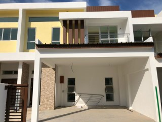 Terraced House › Kilanas | 4 Bedrooms | 5WC