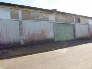 Warehouse with a total area of 882 m2, inserted into medium-sized allotment, KM 8.  |
