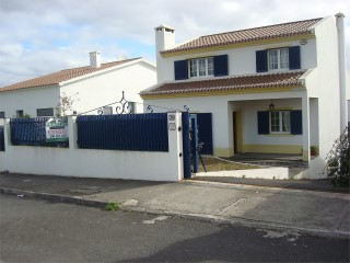 House › Ponta Delgada | 3 Bedrooms | 1WC