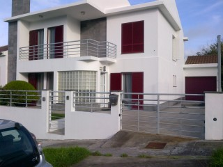 House 4 Bedrooms With GARAGE-VILA FAIA | 4 Bedrooms | 2WC