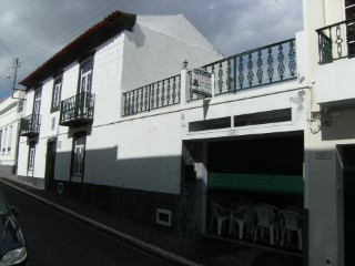 Apartment +1 with garage. The city centre of Ponta Delgada.  | 4 Bedrooms + 1 Interior Bedroom | 3WC