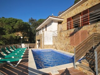 Großes und geräumiges Haus mit Pool in Cala Canyelles Ref. 0752 | 4 Zimmer | 2WC