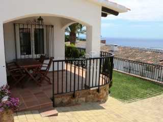 Home holidays overlooking the sea Cala Canyelles | 2 Bedrooms | 1WC