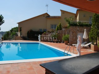 House with pool in Lloret de Mar | 7 Bedrooms | 2WC