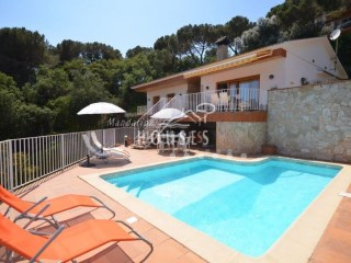 Villa in Lloret de Mar with pool | 4 Bedrooms | 2WC