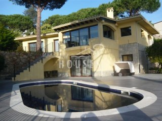 Swimming-pool Lloret de Mar | 4 Bedrooms | 3WC