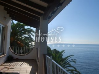 1105 - House on the seafront in Lloret de Mar | 3 Bedrooms | 3WC