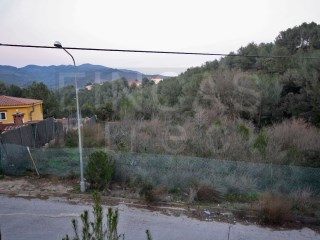 URBAN BUILDING PLOT IN RIUDECANYES, CLOSE TO  LAKE, 15 min from BEACH |