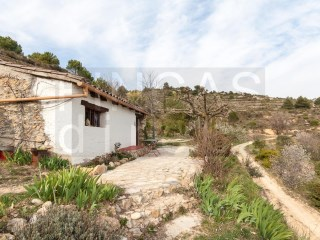 LOVELY FINCA NEAR CORNUDELLA DE MONTSANT,  CASITA DE CAMPO, SUPERB VIEWS |