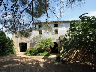 LARGE ´MASIA´ FARMHOUSE TO  REFURBISH, IDEAL FOR RURAL HOTEL | 6 Bedrooms