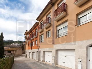 MODERN TERRACED TOWNHOUSE IN  DUESAIGïES, GOOD VIEWS+LARGE GARAGE | 3 Bedrooms