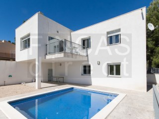 MODERN 4-BED VILLA IN PLANES DEL REI, 57km  BEACH, SUPERB VIEWS | 4 Habitaciones | 2WC