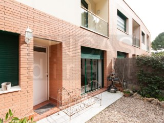 Light and spacious modern townhouse in Cornudella de Montsant, roof terrace and patio garden | 3 Bedrooms | 2WC