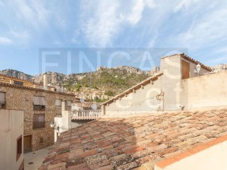 2 BED VILLAGE HOUSE IN LA MORERA DE MONTSANT, IDEAL WEEKEND RETREAT/HOLIDAY LET | 2 Bedrooms | 1WC