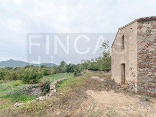 RURAL LAND AND STONE COTTAGE IN VILAPLANA, TO REFURBISH |
