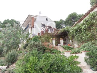 SPACIOUS COUNTRY HOUSE IN FIGUEROLA DEL CAMP AREA, GUEST APARTMENT, POOL, VIEWS | 5 Bedrooms