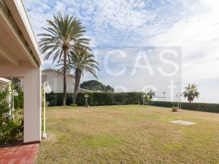 SUPERB BEACHFRONT HOUSES IN CAMBRILS - VILAFORTUNY, LARGE GARDEN AREA, SUPERB RENTAL POTENTIAL | 3 Habitaciones | 2WC