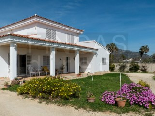 SUPER 5-BED VILLA IN LES CASES D'ALCANAR, LARGE PLOT, WALKING DISTANCE BEACH+VILLAGE |