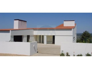House › Abrantes | 3 Bedrooms | 4WC