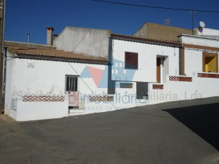 Single Level Home › Aljustrel | 2 Bedrooms