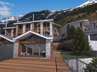 New development of semi-detached houses in Canillo Valley