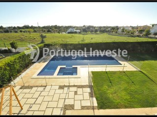 Villa for sale with splendid plot of 925 sqm near the city of Albufeira. Portugal Investe | 4 Bedrooms | 4WC