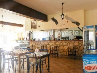 For sale restaurant situated in house with two apartments in the 1st floor, in Albufeira, Algarve - Portugal Investe |
