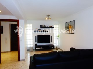 For sale 3 bedrooms apartment, 8 minutes away from Lisbon - Portugal Investe | 3 Bedrooms | 2WC