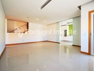 For sale fantastic 2 bedrooms duplex, new, in luxury condo with pool, in Albufeira, Algarve - Portugal Investe | 2 Bedrooms | 3WC